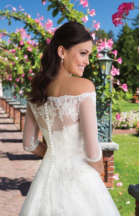 3541e5f88a444 Magasin de mariage avec robes et costumes à Toulon - Espace ...